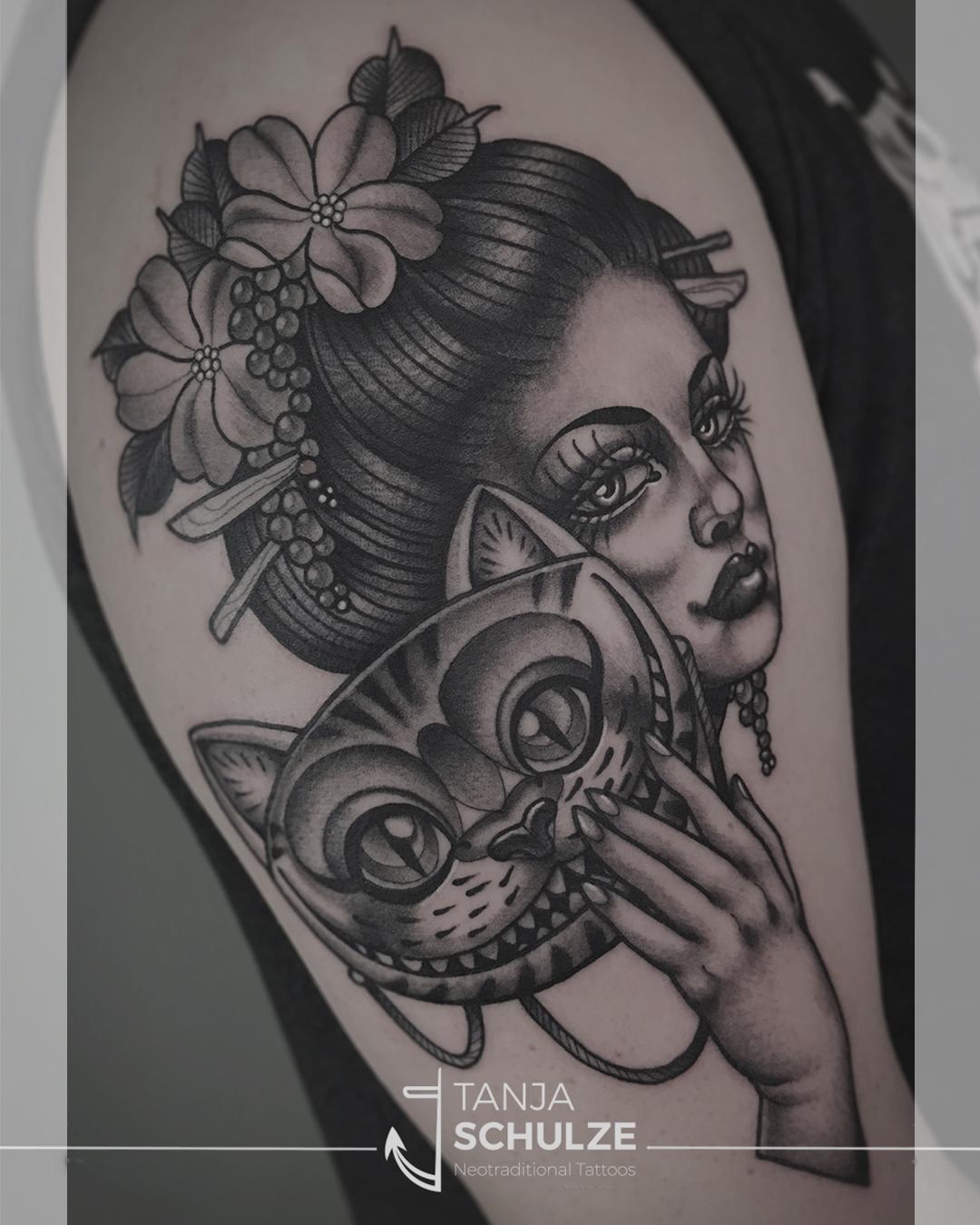 Tattoo Geisha mit Maske
