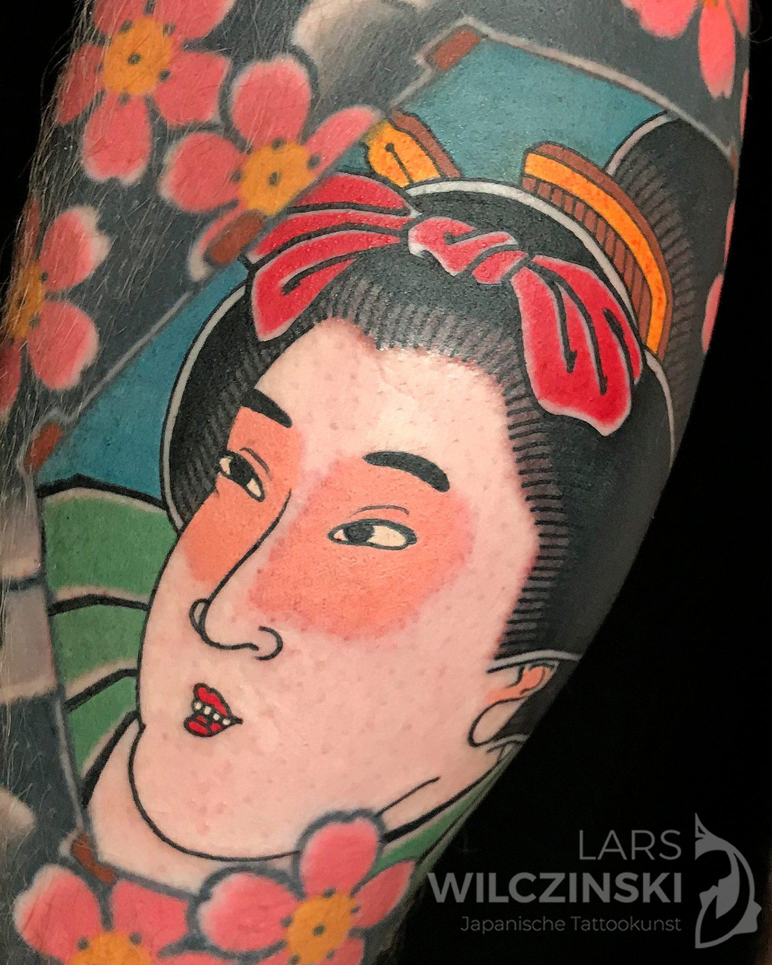 Tattoo Geisha und Kirschblüten Wade